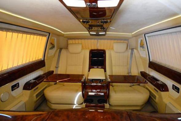 President obama car inside